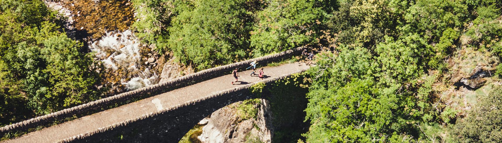Ultra trail ardéchois – François Laupin remonte la rivière Ardèche, du Rhône jusqu'à sa source en 110km